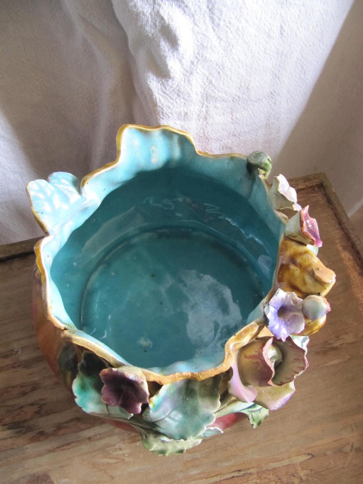 vendre cache pot en barbotine d cor de feuillages fleurs mes collections ordo ab chao. Black Bedroom Furniture Sets. Home Design Ideas