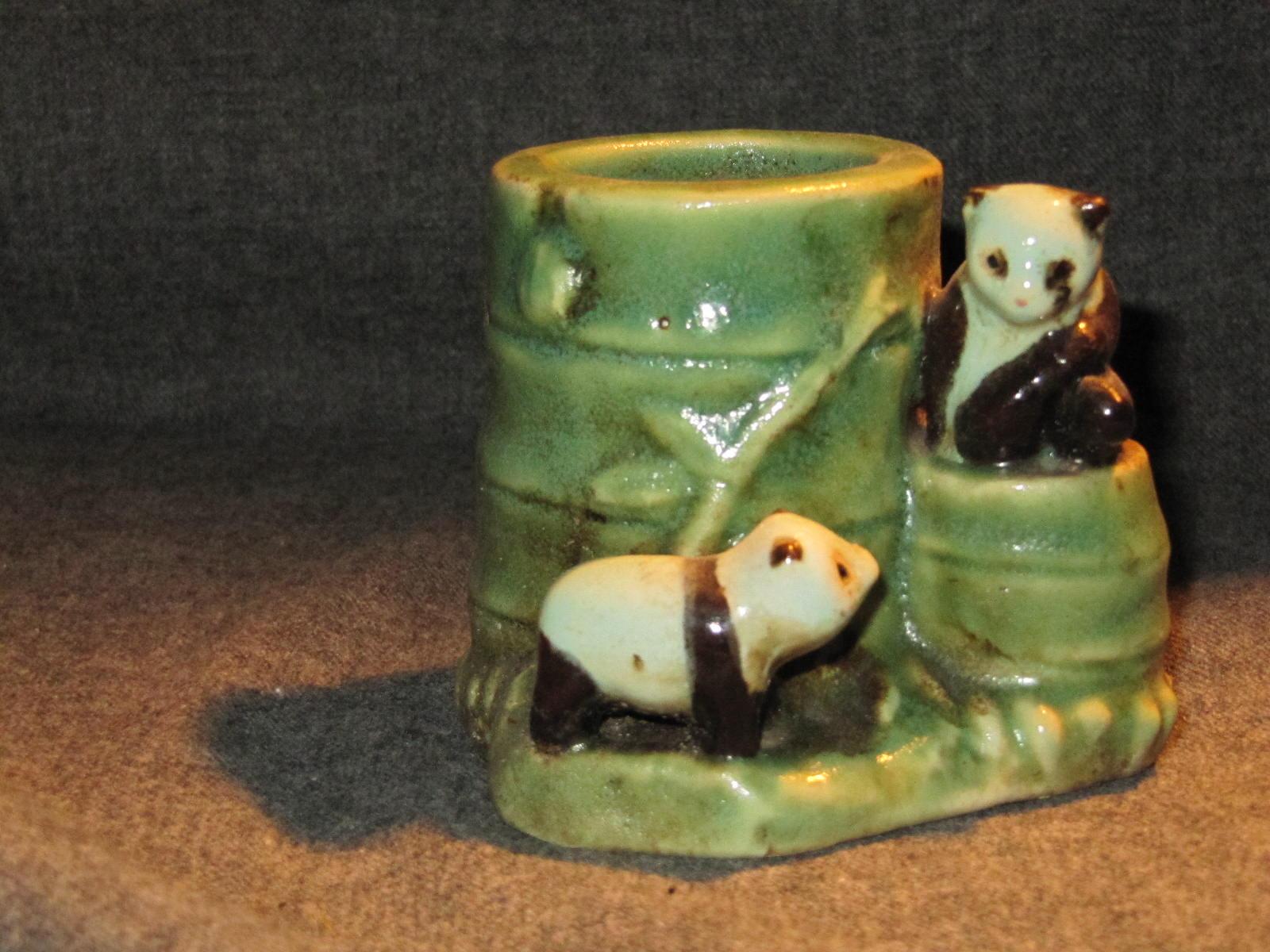 vendu petit pot en c ramique tron on de bambou et 2 pandas mes collections ordo ab chao. Black Bedroom Furniture Sets. Home Design Ideas