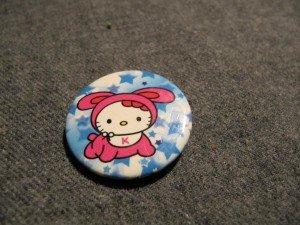 à vendre pin's Hello Kitty dans 0. A VENDRE IMG_2424-300x225